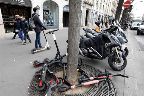 Paris to fine people riding electric scooters on sidewalks