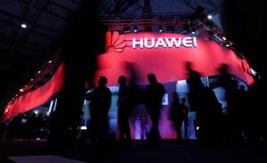 Big tech firms cut employees' access to Huawei, muddying 5G rollout