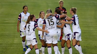 Perth Glory top the ladder with 5-1 masterclass