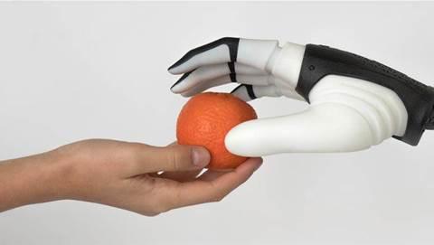 Amazon sends QUT US$70k grant to extend robots' reach