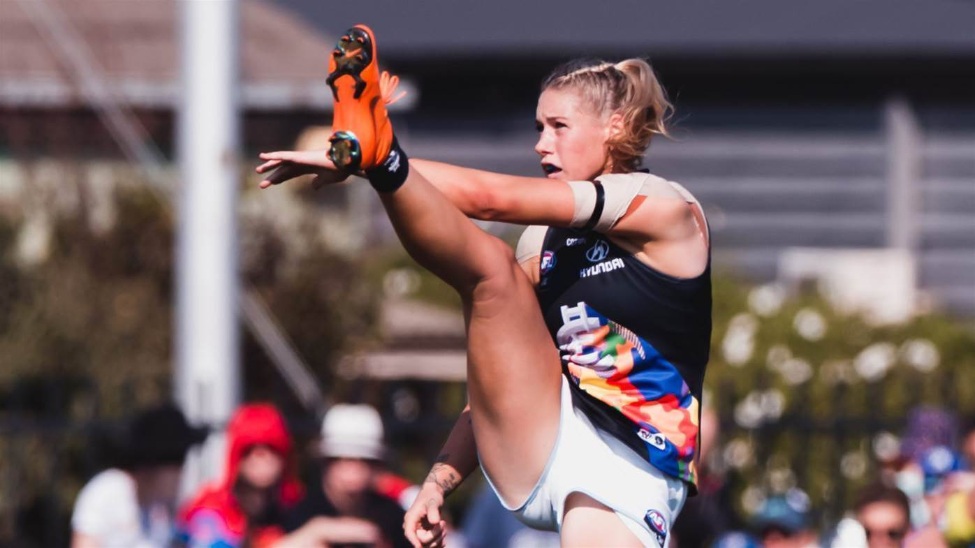 Social media rallies behind Tayla Harris after stunning photo deleted