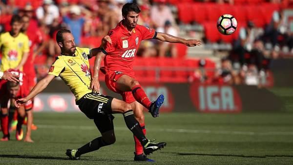 Roar in for Aussie midfielder