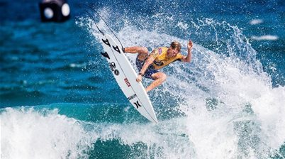 Blonde Moments: Opening Day Of the Oi Rio Pro