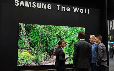 Samsung shows off mega displays