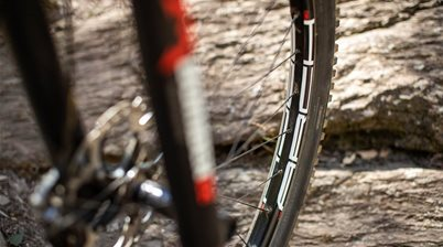 FIRST LOOK: NoTubes Arch Mk3 and Deore XT 8100 wheel build