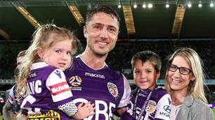 Glory re-sign miracle man Dino Djulbic
