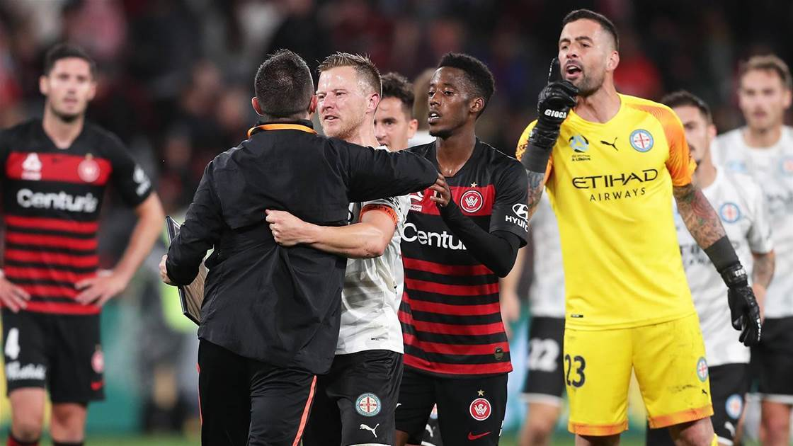 Wanderers' Babbel fumes over penalty call