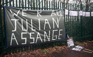 Julian Assange put lives at risk, lawyer for United States says