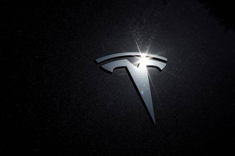 Tesla's value drops US$50 billion as Musk's promised cheaper battery three years away