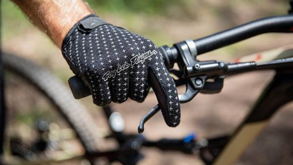 TESTED: TLD Sprint Glove