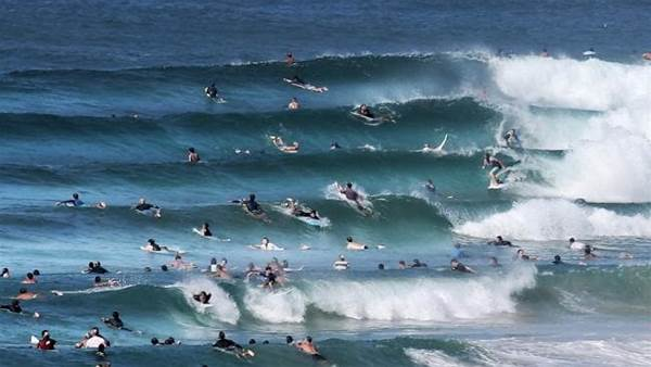 Should Pro Surfers Be Given a Dedicated Freesurf Area Before Events?