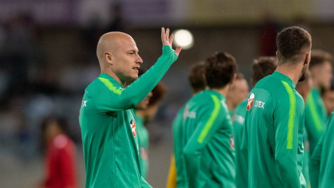 Mooy quits EPL for China