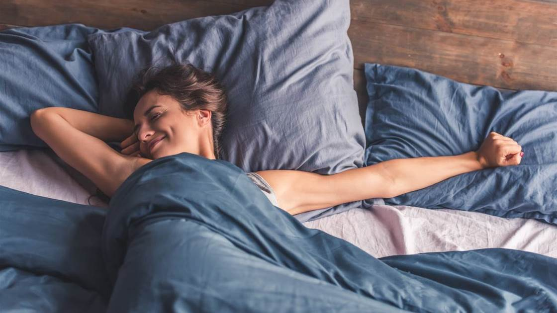 16 Best Tips for How to Sleep Well and Wake Up Looking Refreshed