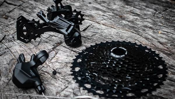 TESTED: Microshift Advent X 1x10 drive train
