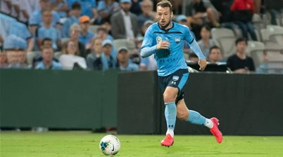 Sydney loan out Le Fondre to India