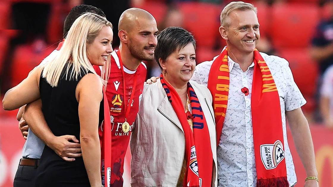 Troisi quits Reds as Wanderers move looms
