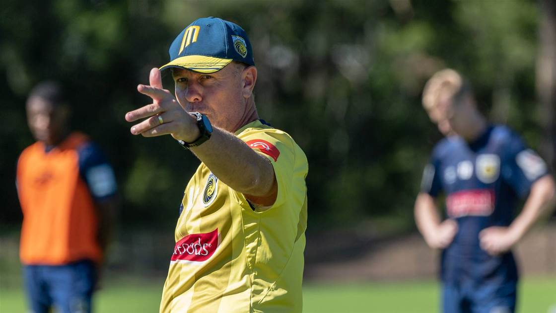 Mariners wary of 'wounded bull' Jets