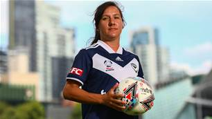 'Her own unique way of doing things...' - Lisa De Vanna ready to light up W-League