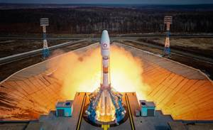 OneWeb launches 36 satellites from Russia to extend internet orbit