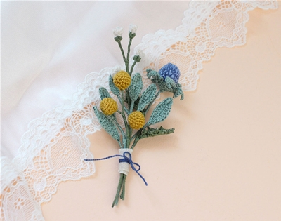 learn how to crochet tiny flowers