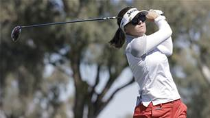 Green blasts her way towards LA Open lead