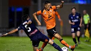 Crossbar frustration in Roar-Mariners draw