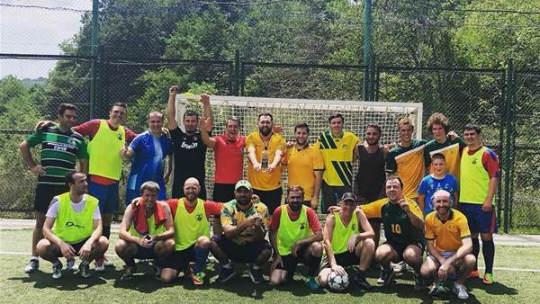 Russians challenge Socceroos fans to a friendly kick around...read what happens next!