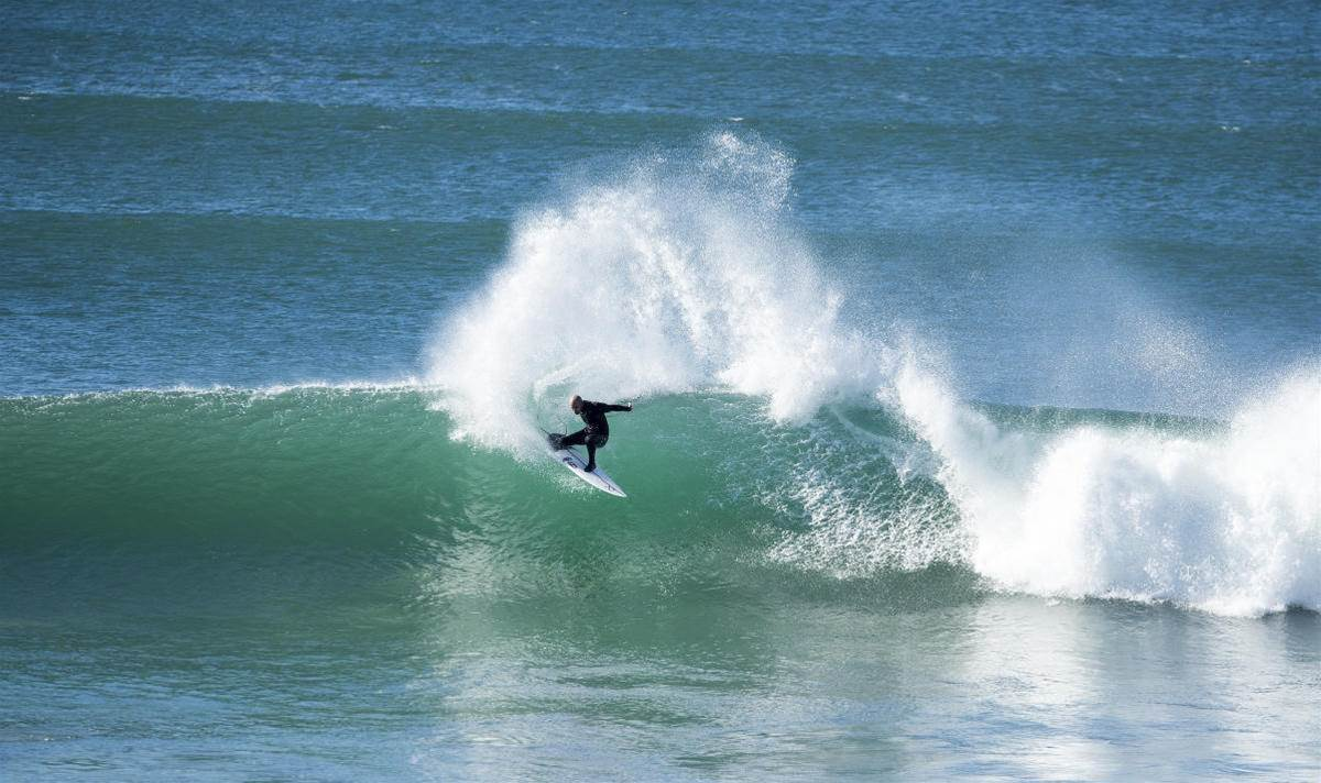 Miracle: Kelly Back in J-Bay Draw