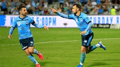Sydney FC extend A-League hot streak