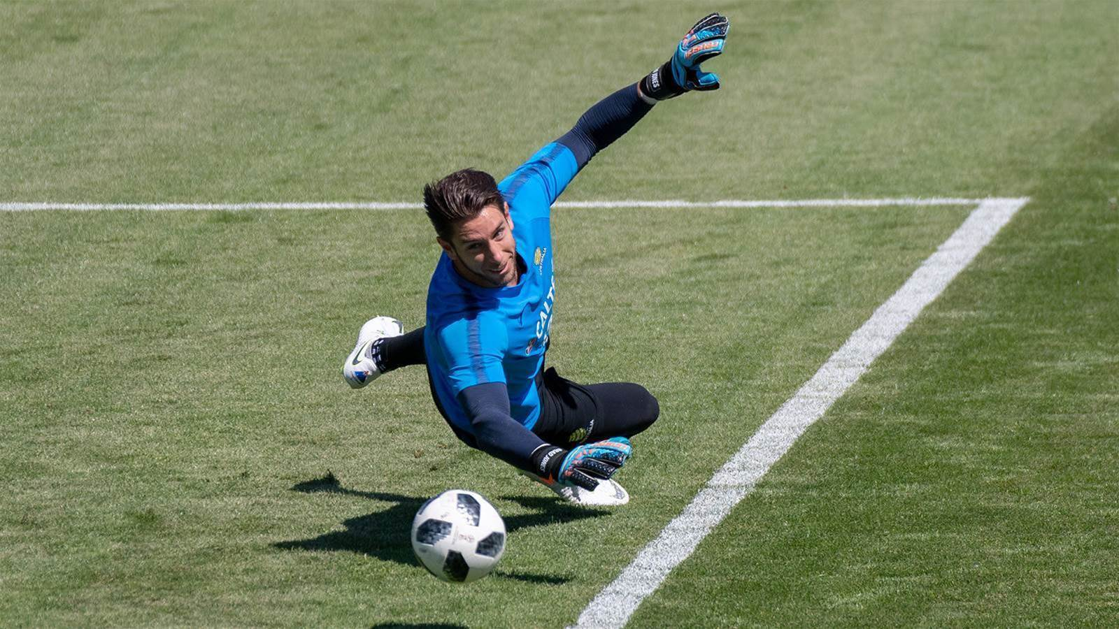 Saudi move for Socceroos keeper