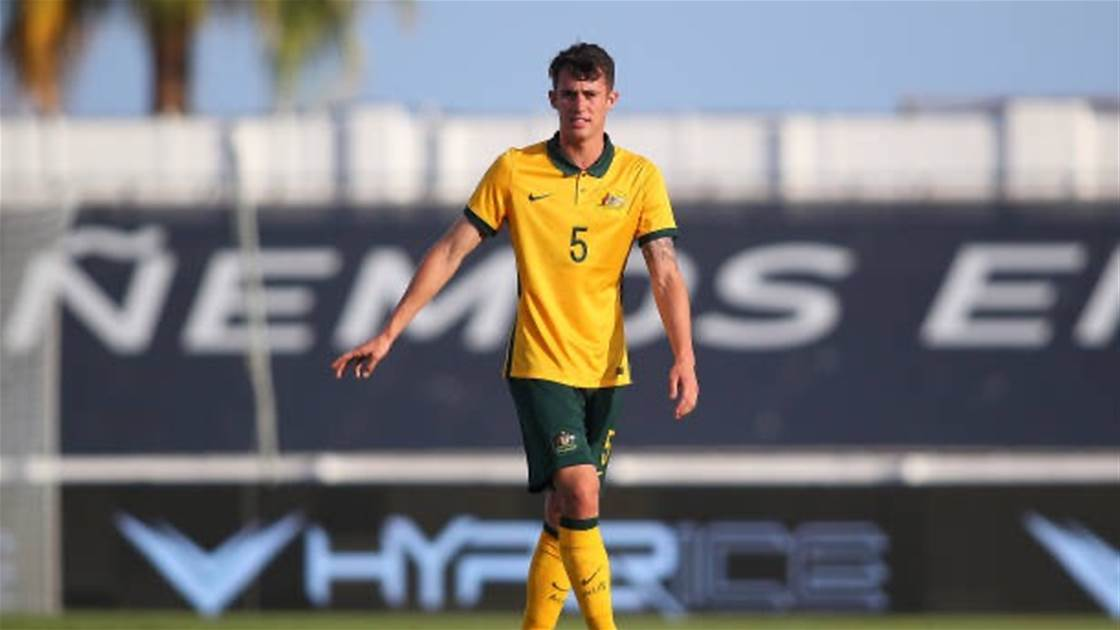 Two Aussie A-League defenders leave Victory for overseas