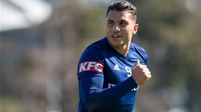 Perth Glory snap up Melbourne pair