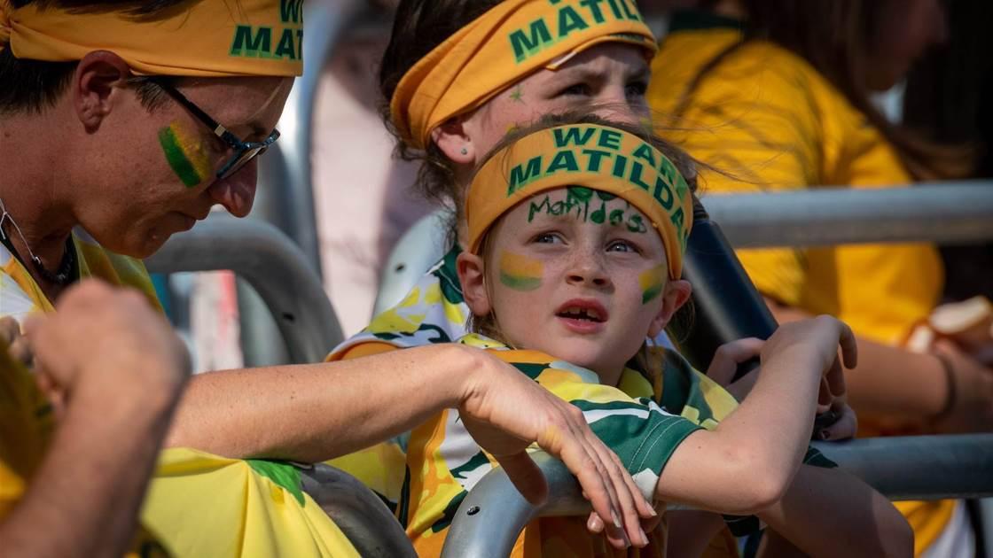 Australian club bans heading for juniors