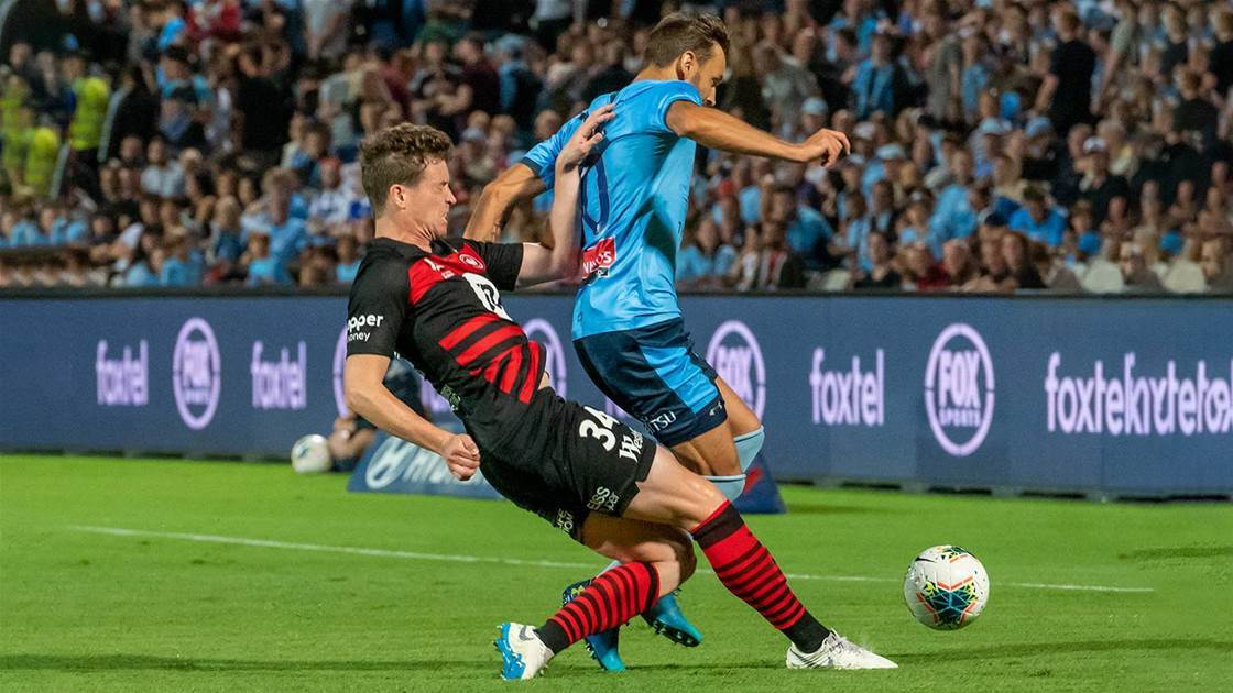 'We need to cut the visa spots back' - Former Socceroo speaks out on A-League imports