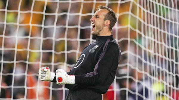 Schwarzer: Why the A-League is a hindrance to the Socceroos