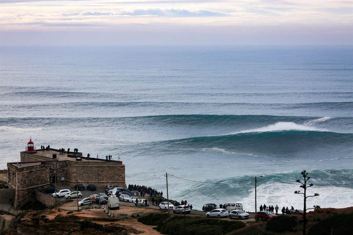 Nazaré Goes Green Light Legit