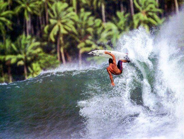 Vote For Margo or Munro For Surfer Poll Winners