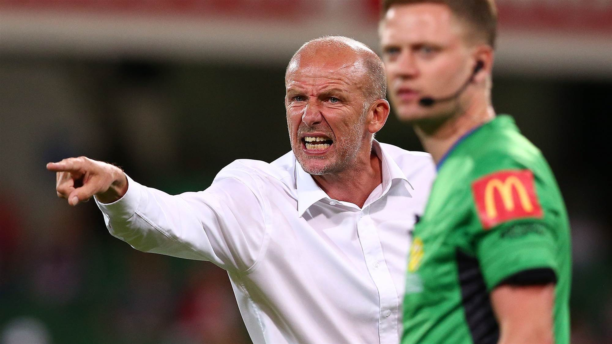 Kenny Lowe launches expletive-filled rant at training