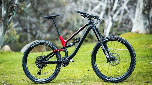 FIRST LOOK: Canyon Torque CF 8.0