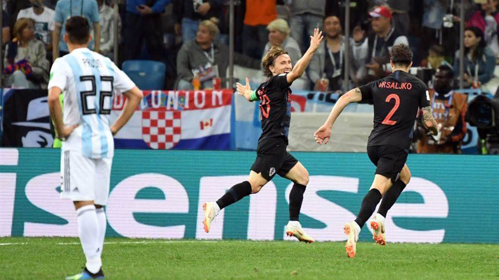 Croatia thrash Argentina 3-0 to reach round of 16