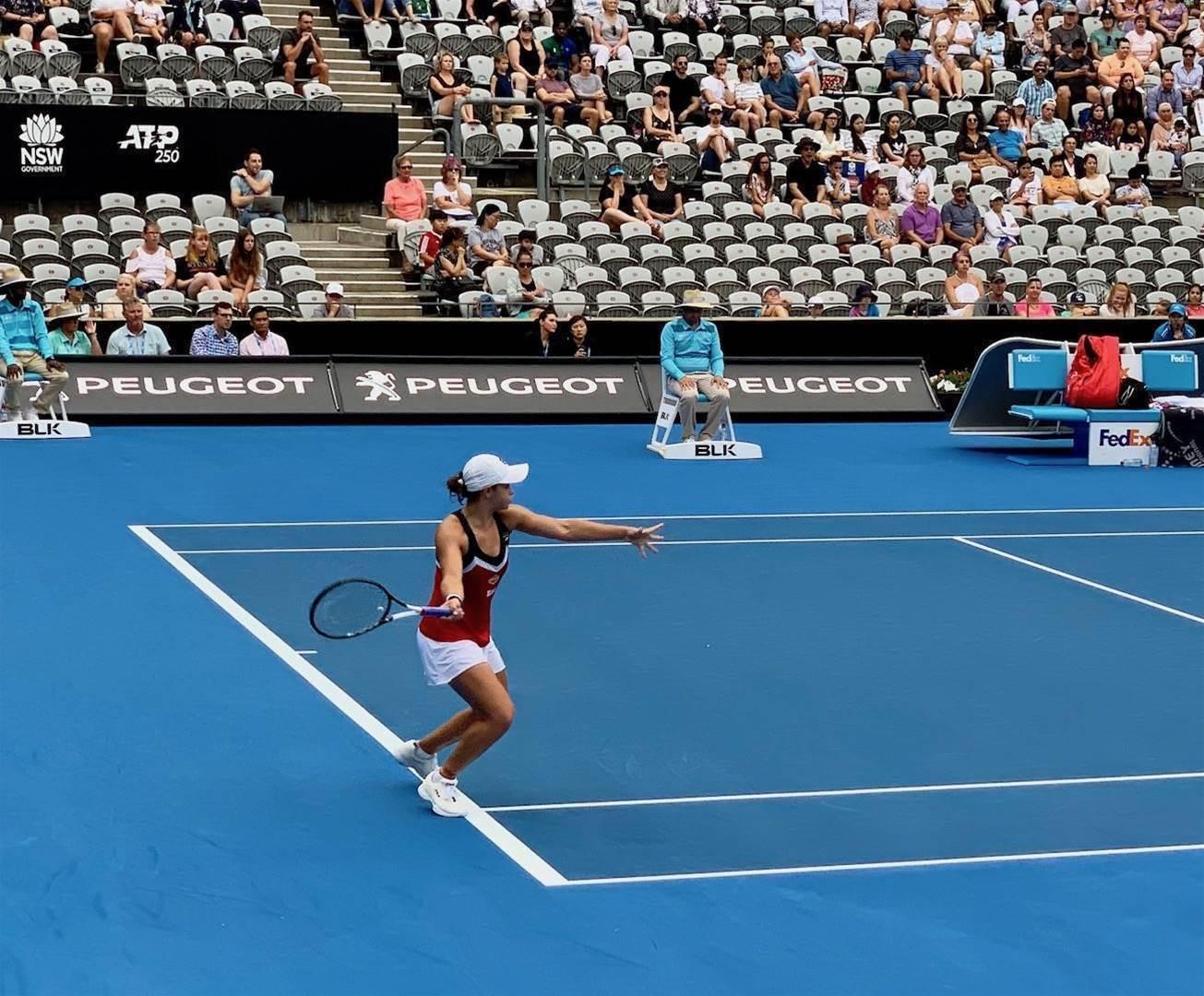 'I feel great': Barty slugs it into Sydney International final