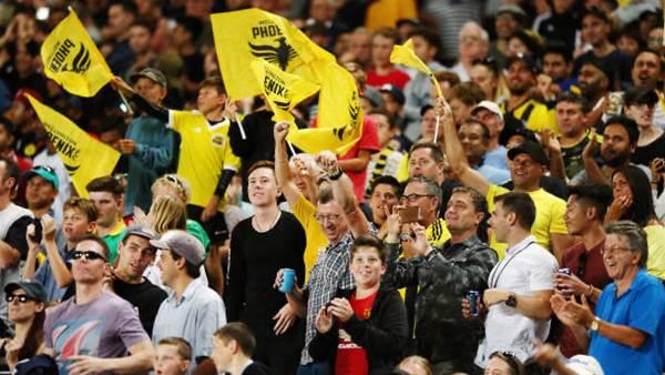 A-League's Phoenix get another huge crowd