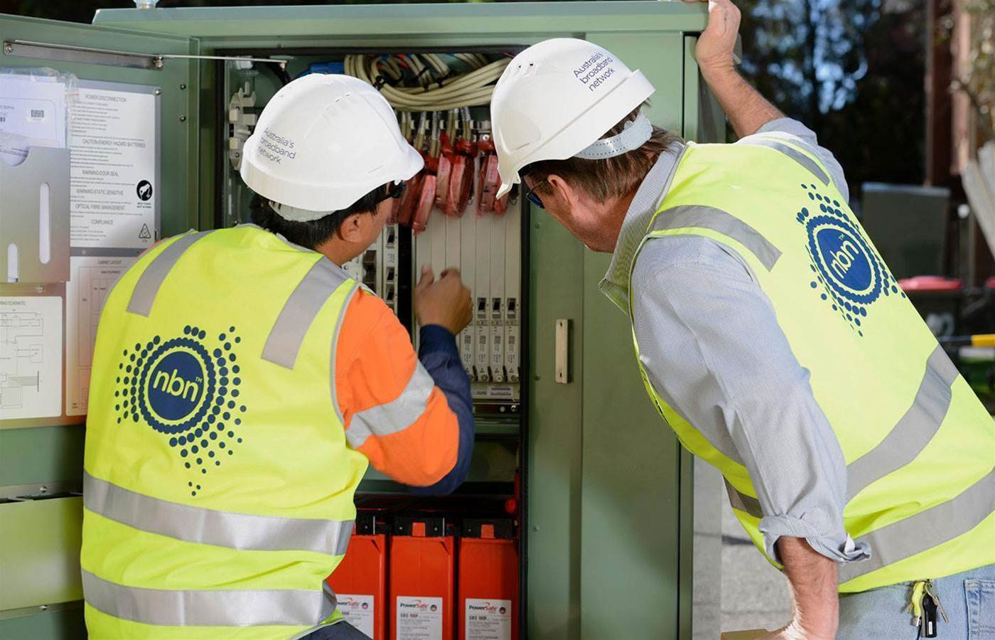 Optus to review contract with NBN over HFC delays