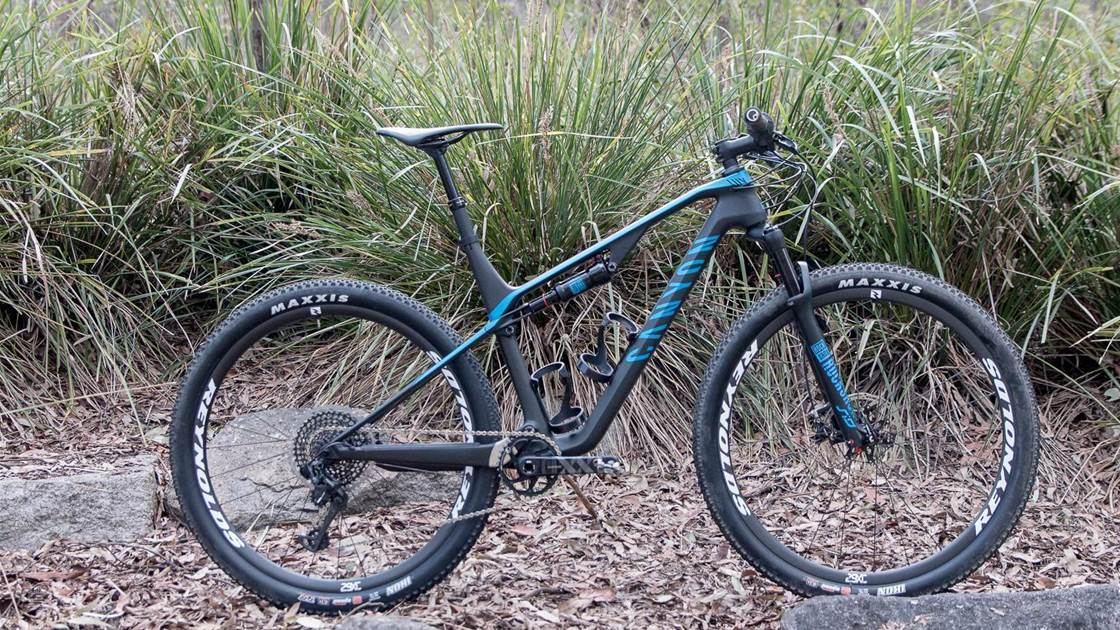 FIRST LOOK: the all-new Canyon Lux full-suspension bike