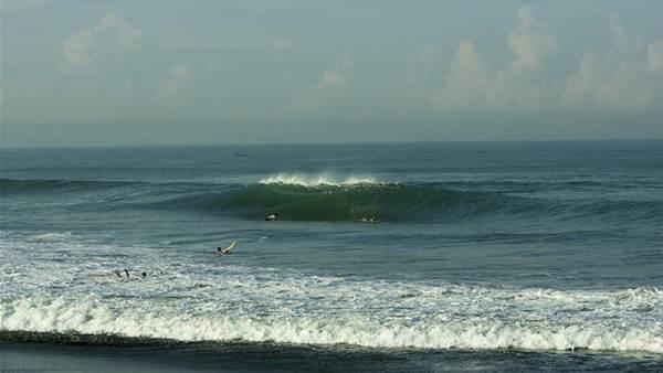 Dangerous shore breaks and mushy shakes in Bali