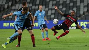 Wanderers hold Sydney to A-League draw