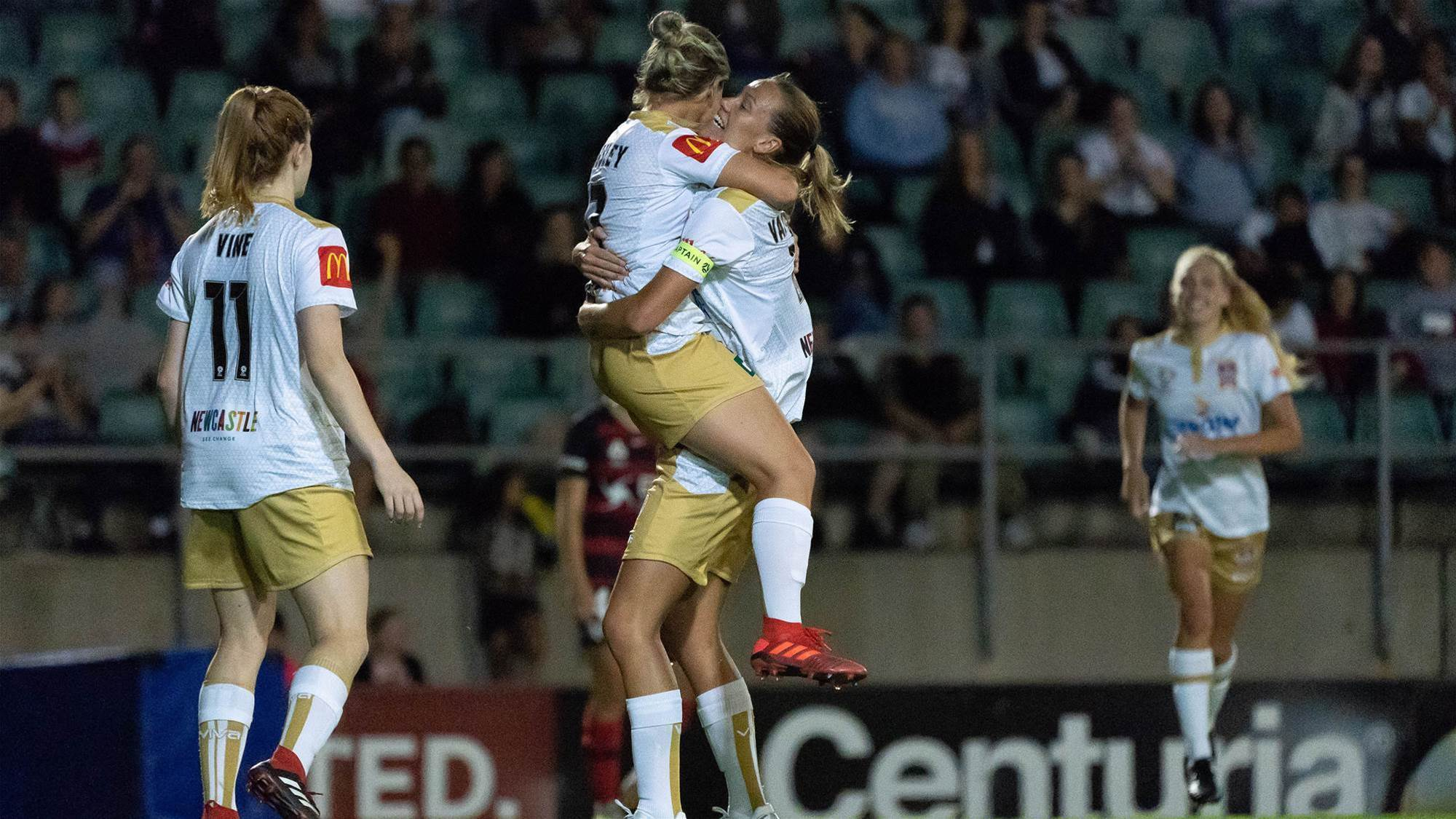 Wanderers go down to Jets