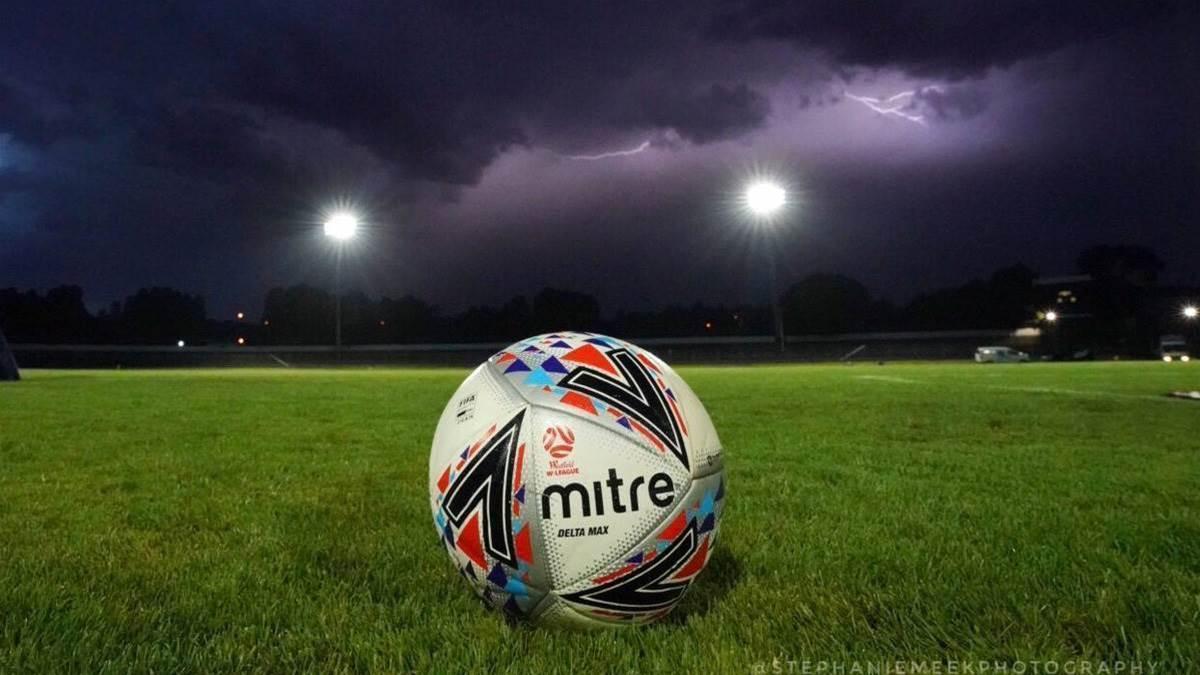 Seiffert storm delays start to round 12