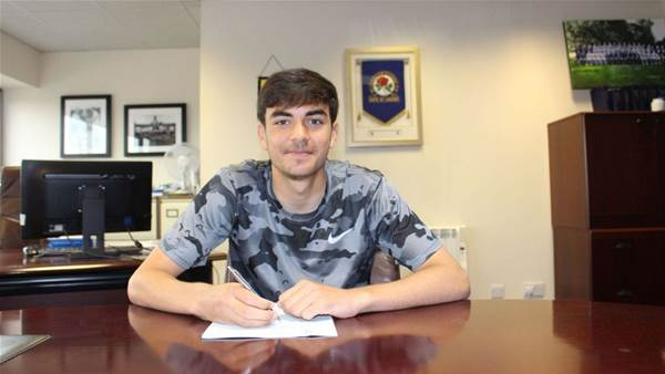 Aussie former Barcelona starlet signs for Championship club