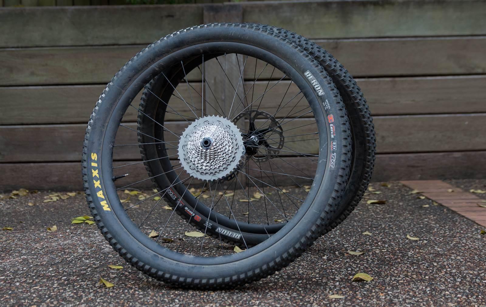 EIE Carbon wheels